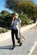 Topshop blazer - H&M boots - Topshop jeans - Zara shirt - Mango bag