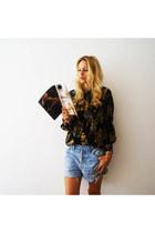 Levis shorts - vintage blouse