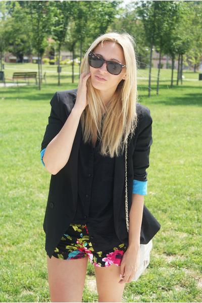 Queens Wardrobe shorts - Topshop blazer - Bershka blouse