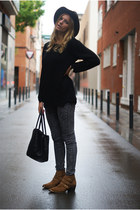 H&M jeans - Zara hat - H&M Trend jumper