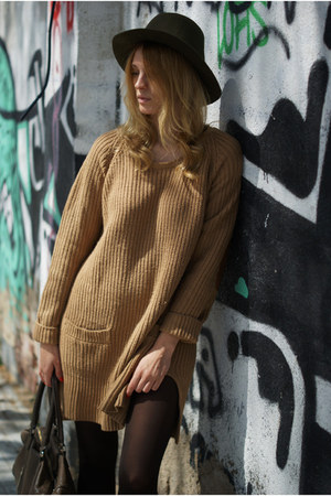 H&M Trend dress - Zara hat