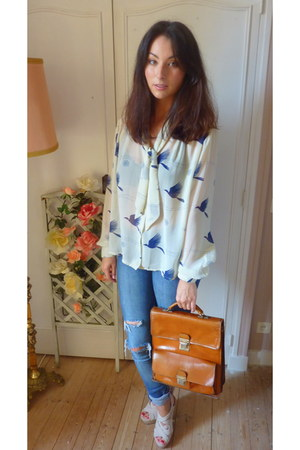 leather satchel vintage bag - skinny jeans warehouse jeans - vintage blouse