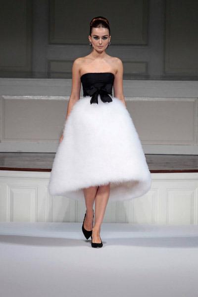 white black and white Oscar de la Renta dress