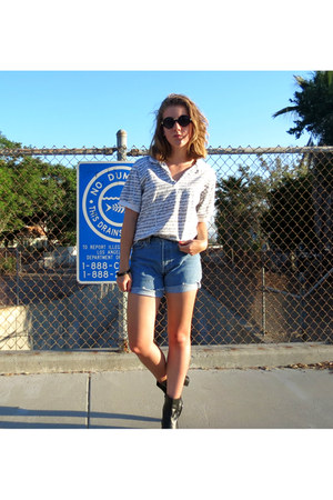 high waisted Levis shorts - round Urban Outfitters sunglasses