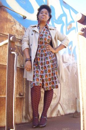 print etsy vintage dress - crimson pumps Ross shoes - camel trench Old Navy coat