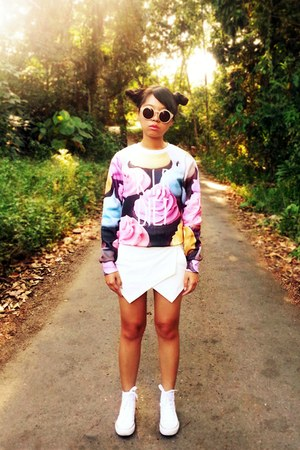 light pink rip diet Fashion Sanity sweater - white skort RainbowCake98 shorts