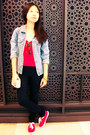 Blue-denim-second-hand-jacket-nude-lace-bag-red-sneakers