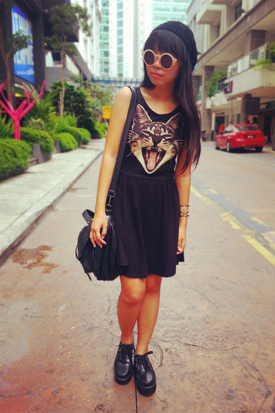 black creepers Dreamz Couture shoes - black cat-head H&M dress