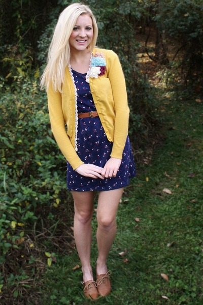 flower applique cardigan
