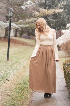 Tobi bodysuit - tan maxi thrifted skirt