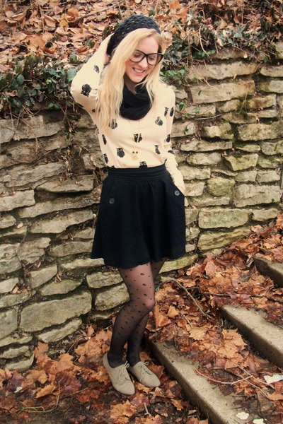 black skirt - oxford shoes - black beret hat - tights - owl thermal top