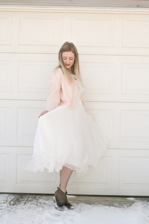 blush cardigan Rue 21 sweater - modcloth boots - white flowy StyleWe dress