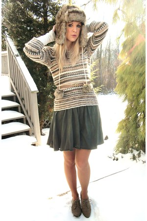 American Apparel skirt - H&M sweater