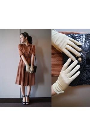 tawny dress