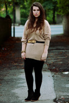 Moschino belt - Primark jumper
