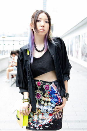 black KTZ skirt - black KITTERICK shirt - gold Mango bag