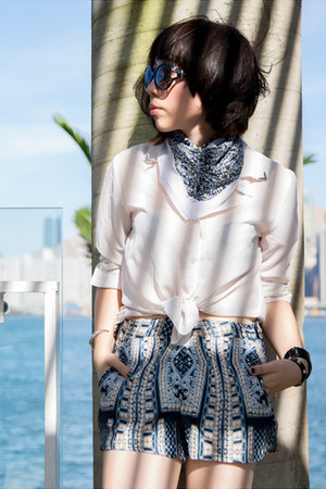 sky blue floral print 31 Phillip Lim scarf - white Zara shirt