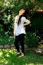 Zara blouse - Patronato leggings - Lider shoes