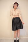 Black-thrifted-skirt-beige-thrifted-blouse