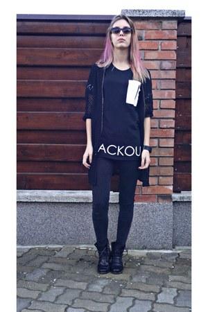 black H&M boots - black pull&bear shirt