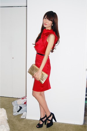ruby red Cocktail Dress dress - black skinny belt belt - black heels shoes - gol