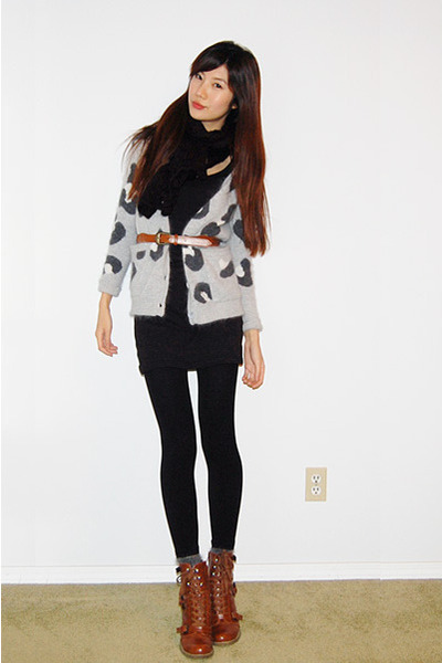 gray aritzia leopard cardigan - tawny ankle boots - black gmarket Tshirt dress