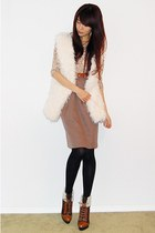 beige leopard print sweater - beige high-waist skirt - tawny leather belt - whit