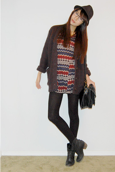 brick red pattern dress - dark gray knit cardigan - black bag - black leather bo