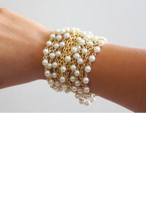 white vintage accessories