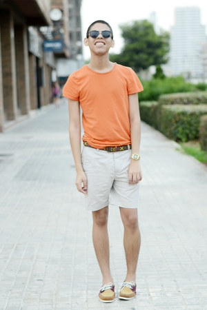 orange H&M t-shirt - black zeroUV sunglasses