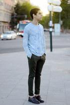 light blue Zara sweatshirt - olive green Zara pants