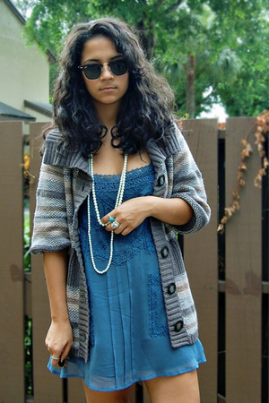 Forever21 dress - Old Navy sweater - Ray bans sunglasses
