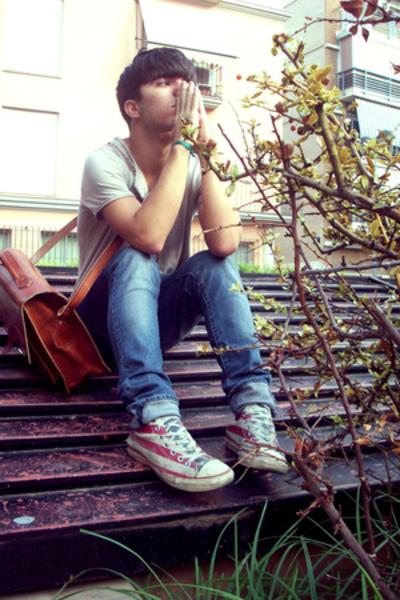 purse - H & M jeans - Converse shoes - 2cnd hand t-shirt