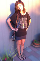 gray Forever21 skirt - Forever21 t-shirt - rue21 necklace - Forever21 bag