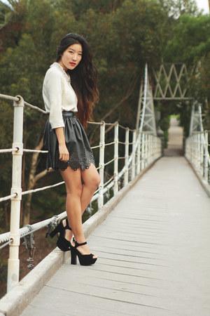 white H&M top