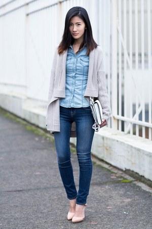 blue J Brand jeans - light blue Guess shirt - tan BB Dakota cardigan