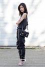 Black-sophie-hulme-bag-black-minkpink-pants-black-chaser-top