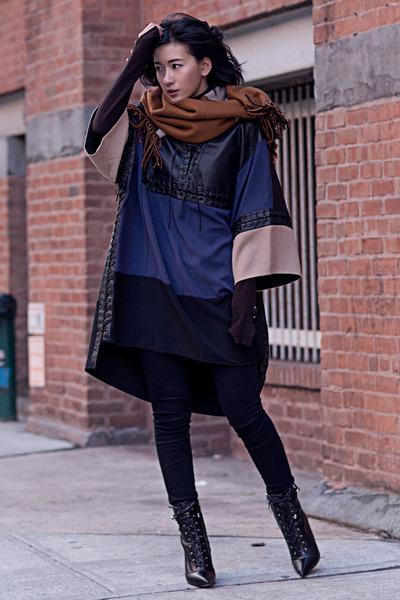 dark brown Uniqlo scarf - black sam edelman boots