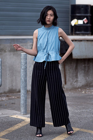 sky blue cmeo collective top - black Zara pants - black sam edelman heels