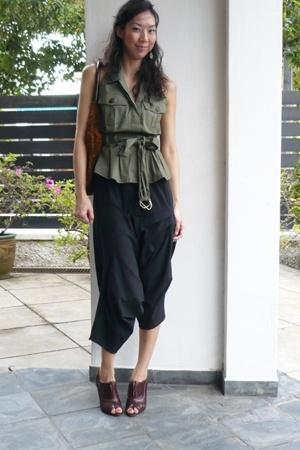 abyzz pants - Baylene blouse - Pour La Victoire shoes - Devi Kroell purse