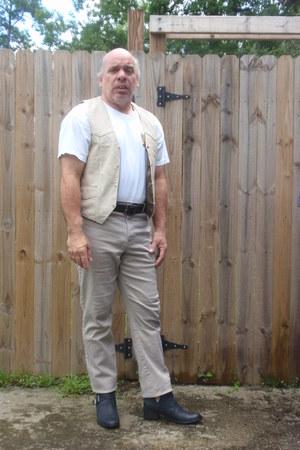 tan vest - Steve Madden boots - Levis jeans