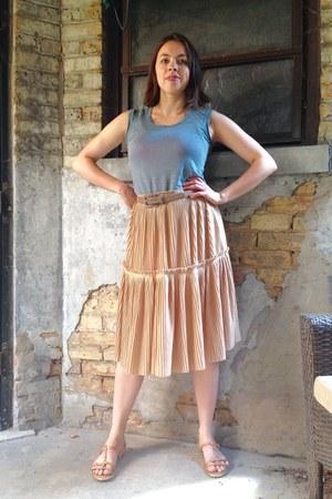 peach thrifted H&M skirt - light brown Urban Outfitters belt