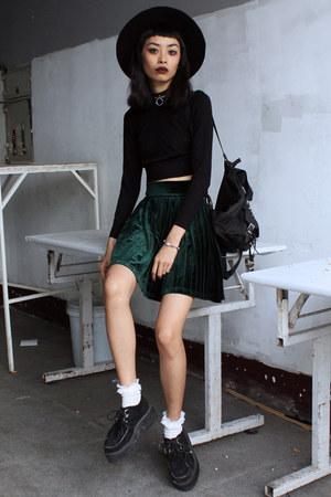 black Choies top - forest green Young Hungry Free skirt