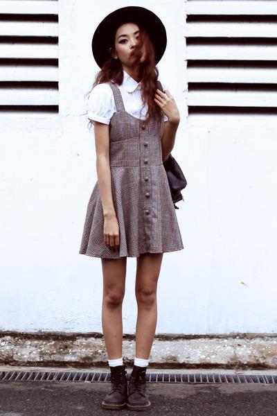 bd46435b6b5 black Dr Martens boots - brown VESSOS dress - white Zara shirt