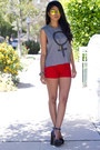 Red-vintage-shorts-reflective-shop-caravan-sunglasses