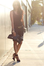 Black-pinstripe-vintage-pants-black-vintage-top-black-zara-sandals