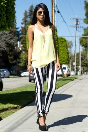 pastel yellow Lush top - Motel Rocks jeans - patent suede Aldo wedges