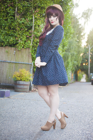 clogs - vintage dress dress - straw hat hat