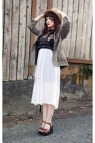 t-shirt - dress - straw hat hat - tweed blazer blazer - vintage shoes sandals