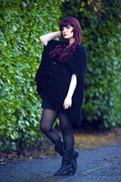 black cowboy boots vintage boots - black knit cape vintage cape